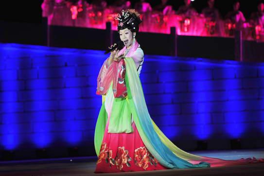 李玉刚反串《梨花颂》-第六届中国国际动漫节开幕式晚会 西湖也动漫